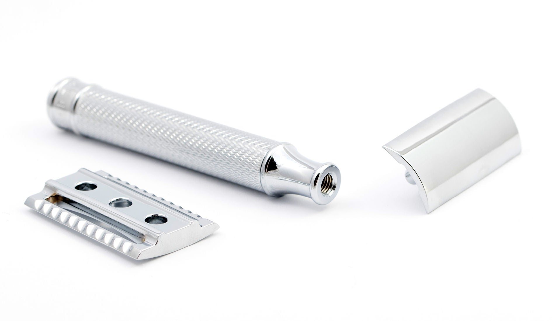 How to clean a safety razor
