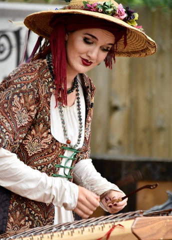 The Lady Victoria and her Hammered Dulcimer