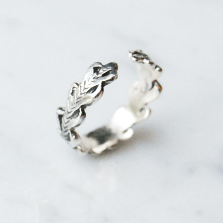 Laurel wreath open ring - silver