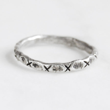 Little x ring - silver