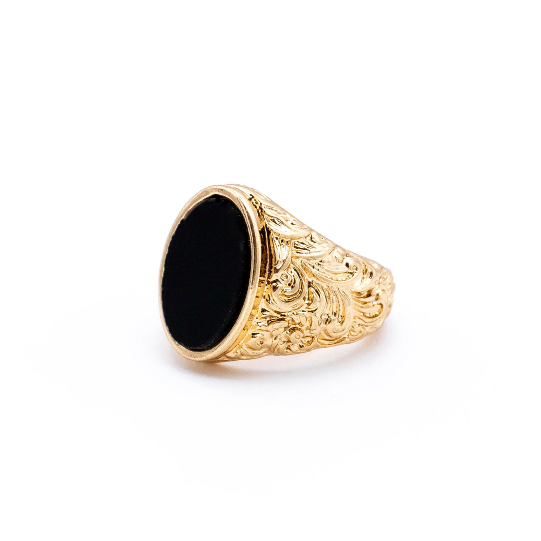Oval Detail Onyx Ring