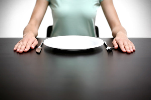 woman-with-empty-plate