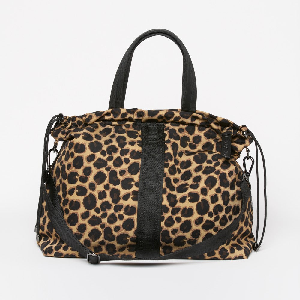 Front view of the ACE Tote Bag color Leopard made with ECONYLu00ae regenerated nylon