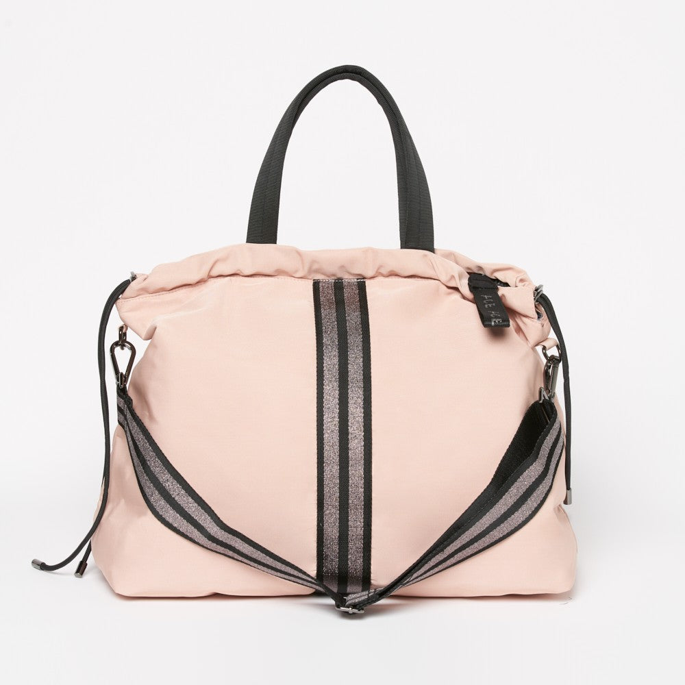 Front view of the ACE Tote Bag color Pink nude made with ECONYLu00ae regenerated nylon