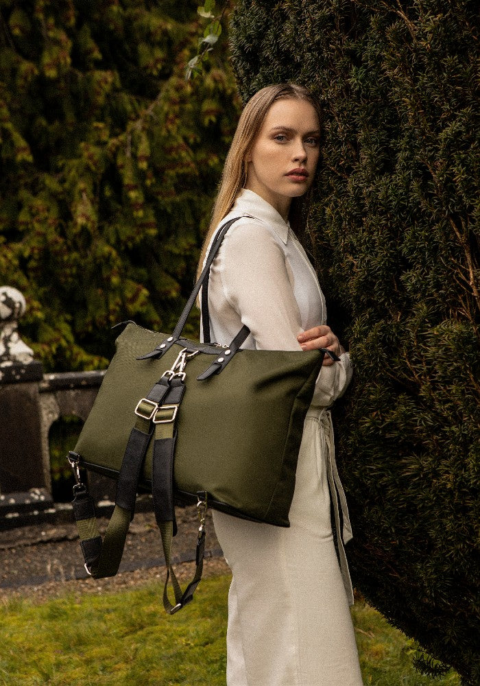 The Gallery Tote To Backpack aoifeu00ae color Military green made with ECONYLu00ae regenerated nylon