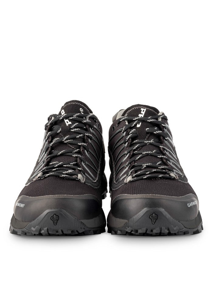 Front view of the 9.81 N.AIR.G 2.0 GTX Man Shoes Garmont Footwear color Black made with ECONYLu00ae regenerated nylon