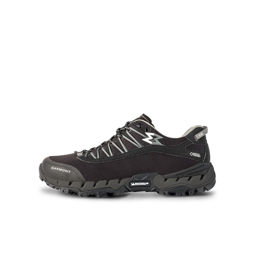 Side view of the 9.81 N.AIR.G 2.0 GTX Man Shoes Garmont Footwear color Black made with ECONYLu00ae regenerated nylon