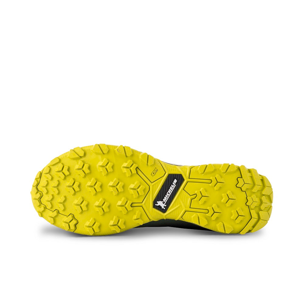 Bottom view of the 9.81 N.AIR.G 2.0 GTX Man Shoes Garmont Footwear color Green made with ECONYLu00ae regenerated nylon