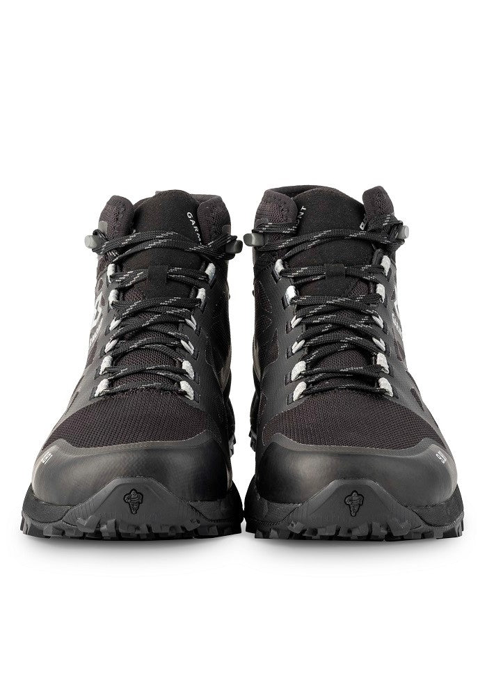 Front view of the 9.81 N.AIR.G 2.0 MID GTX Man Shoes Garmont Footwear color Black made with ECONYLu00ae regenerated nylon