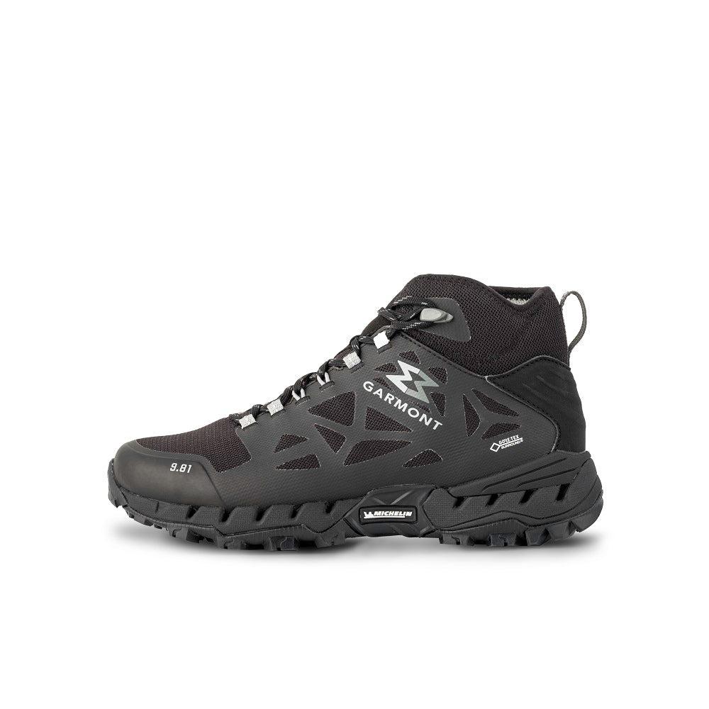 Side view of the 9.81 N.AIR.G 2.0 MID GTX Man Shoes Garmont Footwear color Black made with ECONYLu00ae regenerated nylon