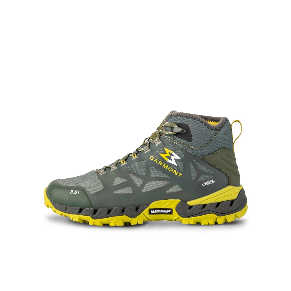 Side view of the 9.81 N.AIR.G 2.0 MID GTX Man Shoes Garmont Footwear color Green made with ECONYLu00ae regenerated nylon