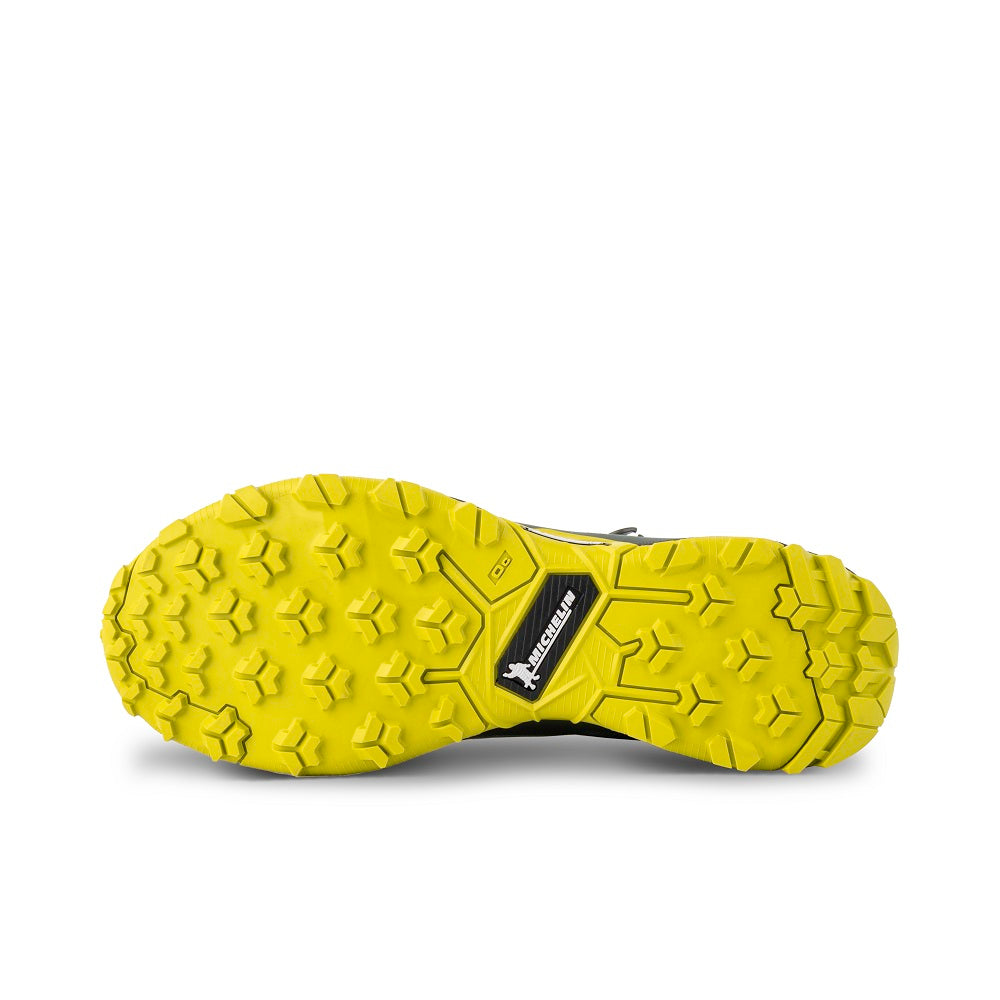 Bottom view of the 9.81 N.AIR.G 2.0 MID GTX Man Shoes Garmont Footwear color Green made with ECONYLu00ae regenerated nylon