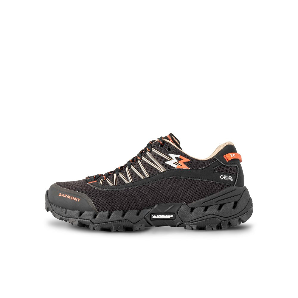 Side view of the 9.81 N.AIR.G. 2.0 GTX WMS Woman Shoes Garmont Footwear color Black made with ECONYLu00ae regenerated nylon