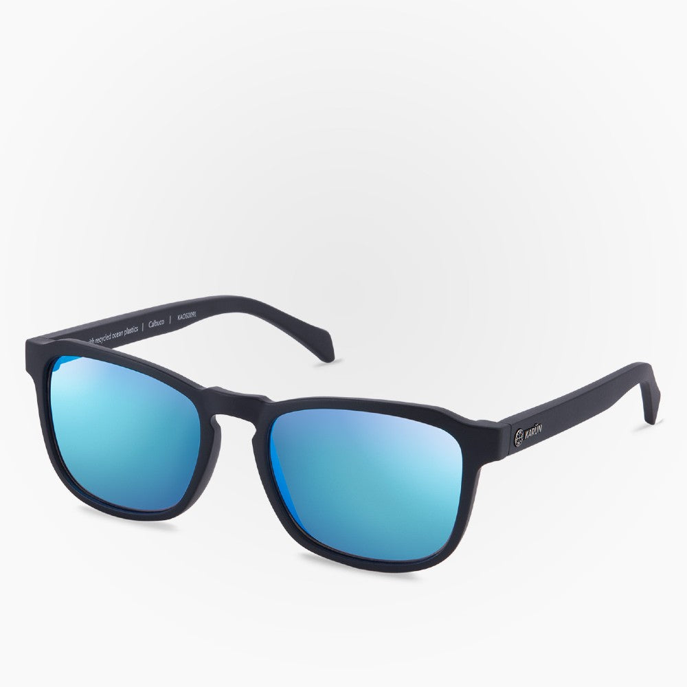 Side view of the Sunglasses Calbuco Karun color Black made with ECONYLu00ae regenerated nylon