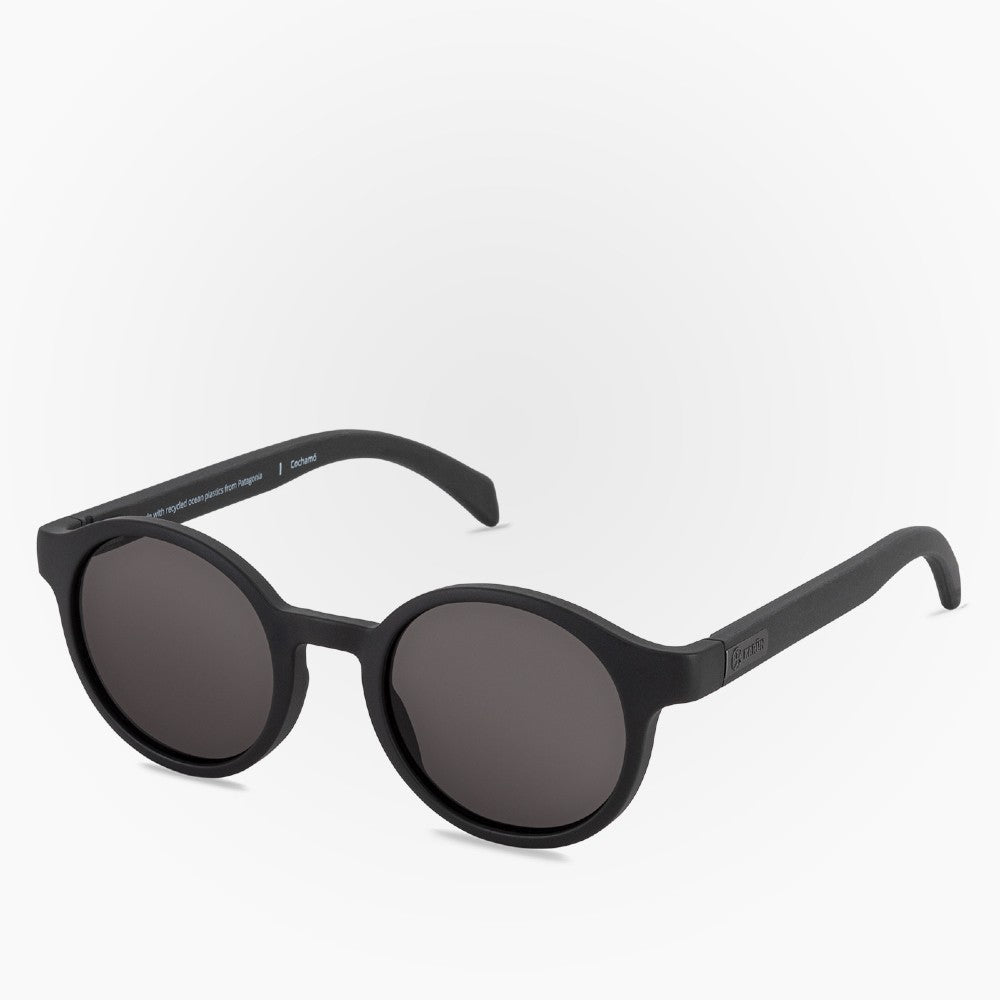 Side view of the Sunglasses Cochamo Karun color Black made with ECONYLu00ae regenerated nylon