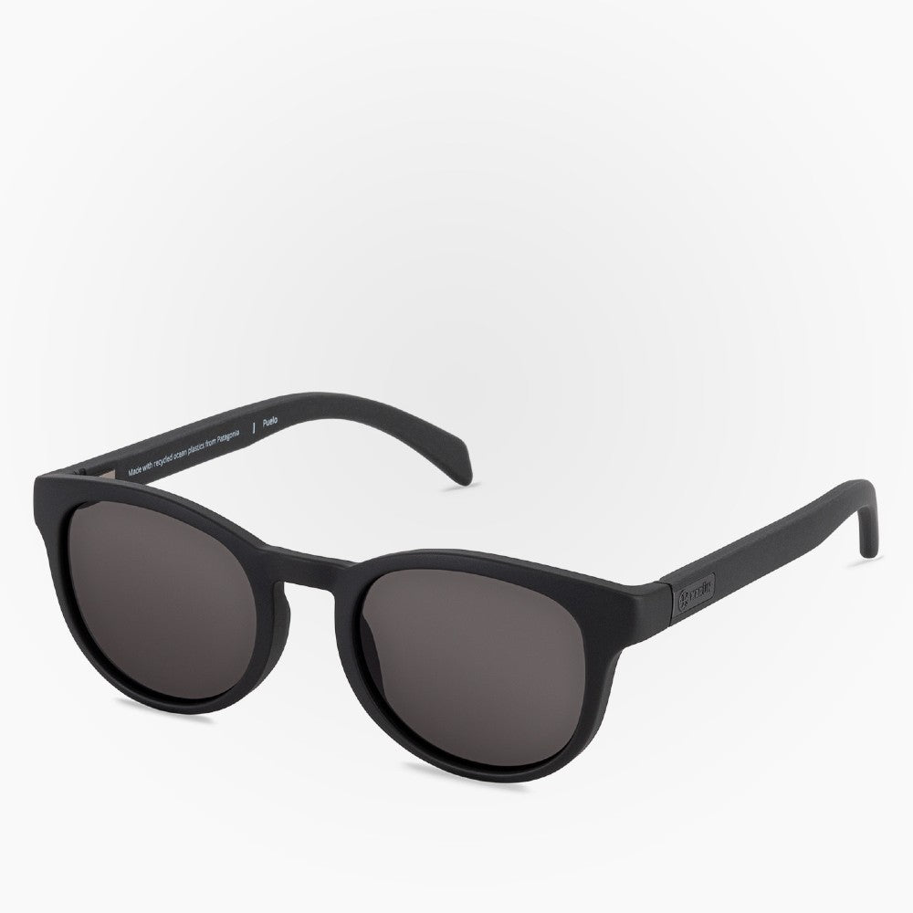 Side view of the Sunglasses Puelo Karun color Black made with ECONYLu00ae regenerated nylon