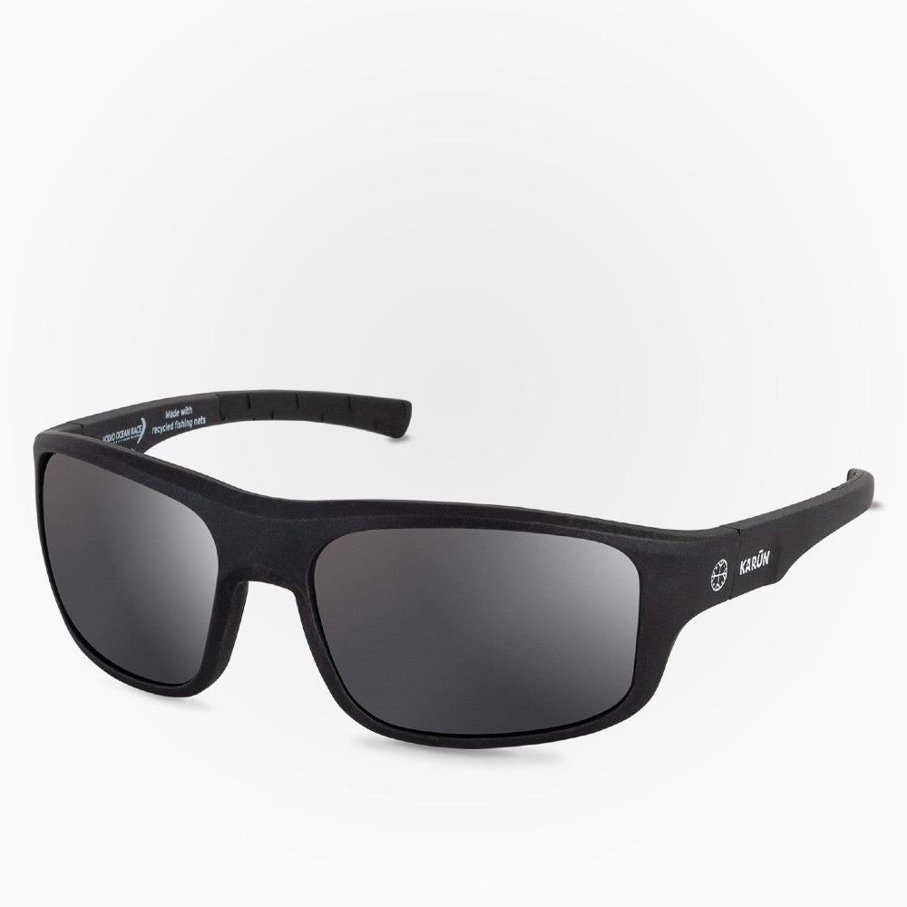 Side view of the Sunglasses Sailing Edition Karun color Black Dark made with ECONYLu00ae regenerated nylon