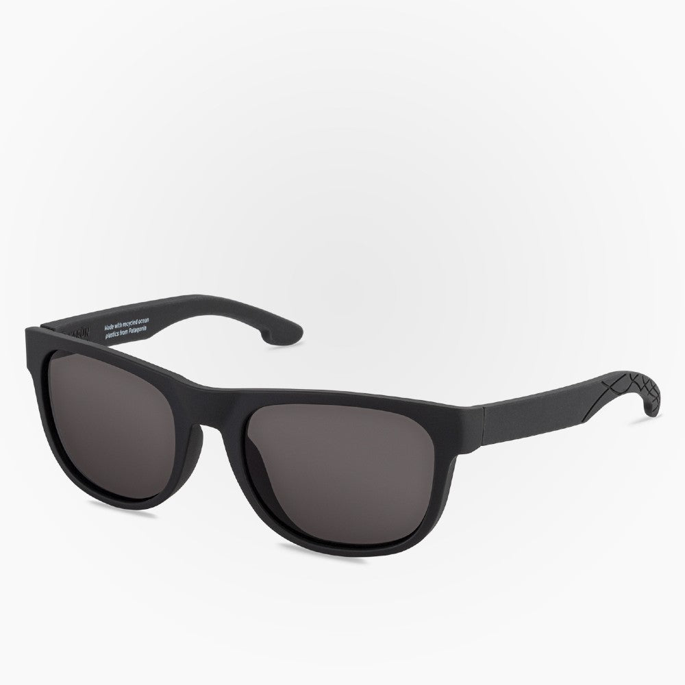 Side view of the Sunglasses South Pacific Karun color Black made with ECONYLu00ae regenerated nylon