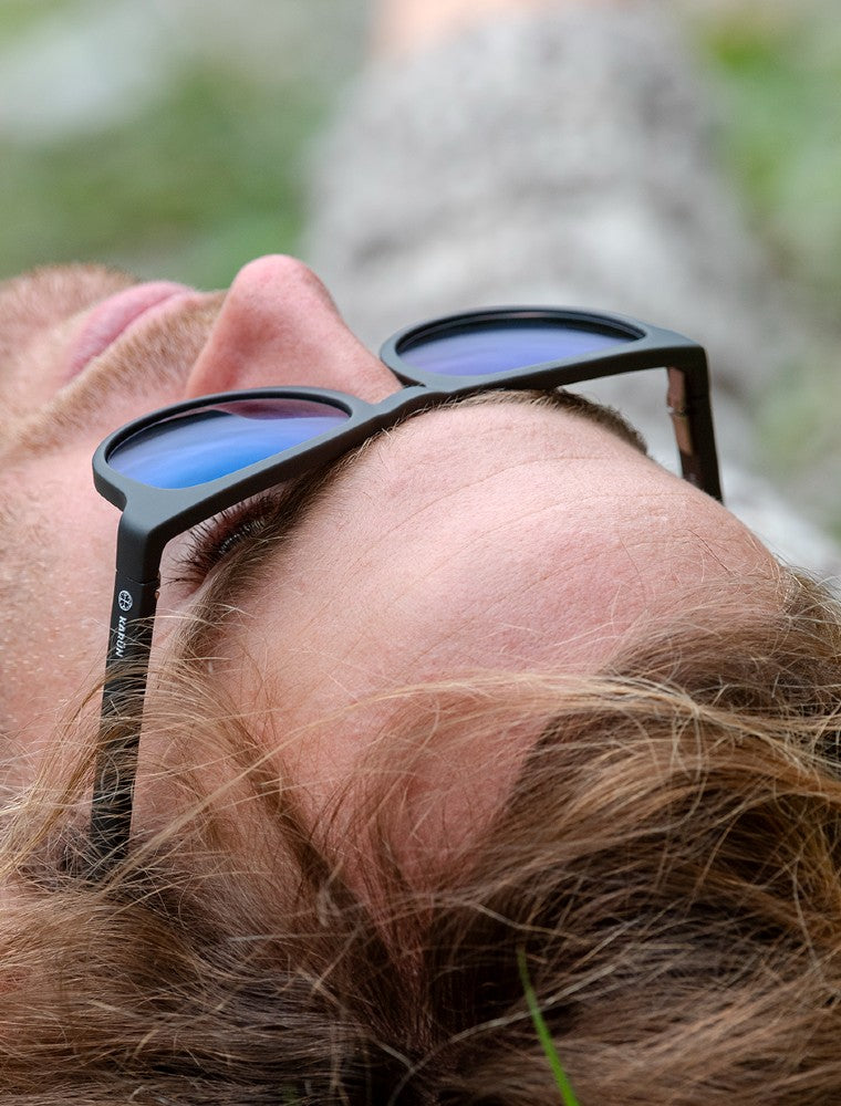 Sunglasses Tagua Tagua Karun color Black and Brown made with ECONYLu00ae regenerated nylon lifestyle