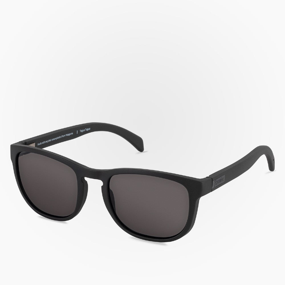 Side view of the Sunglasses Tagua Tagua Karun color Black made with ECONYLu00ae regenerated nylon