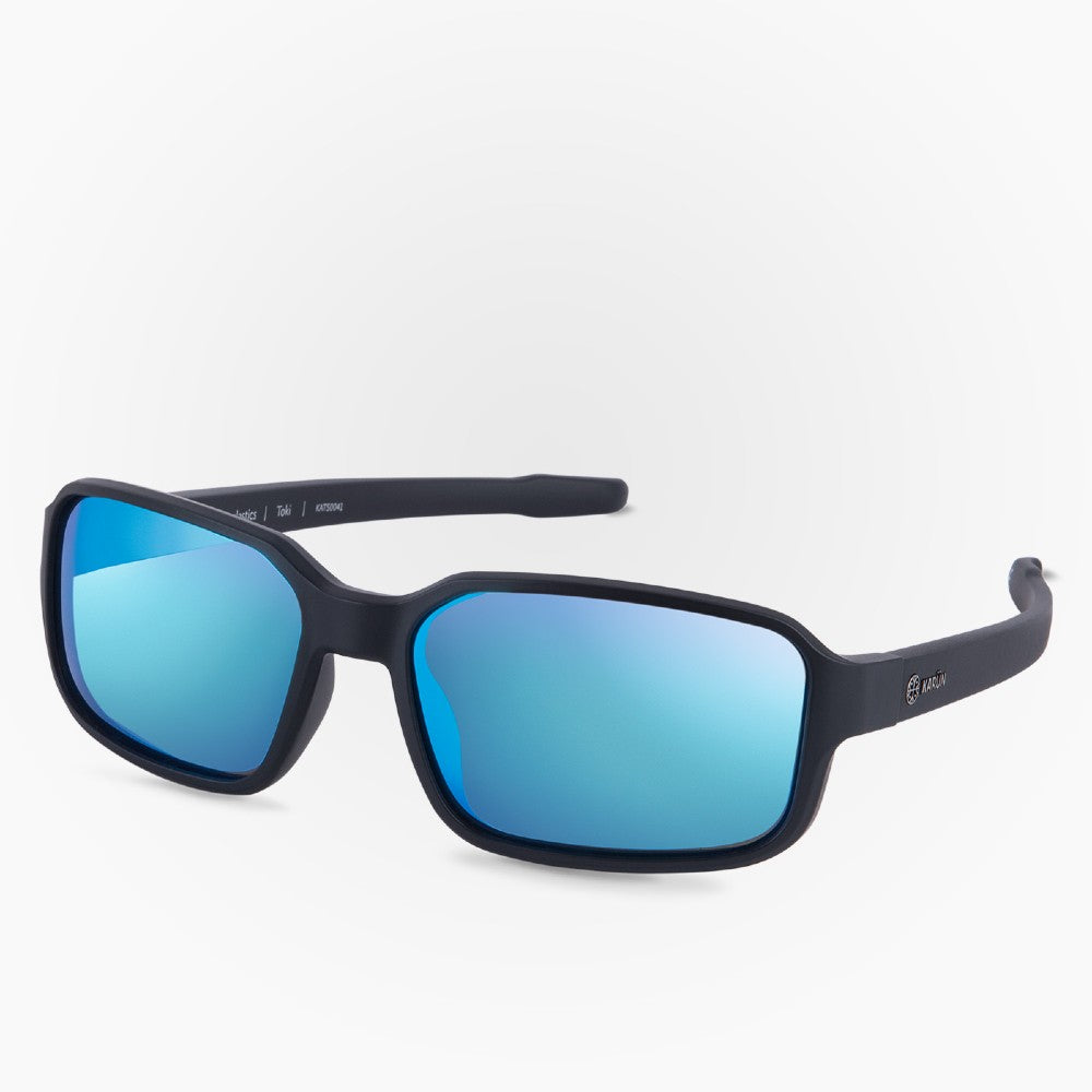 Side view of the Sunglasses Toki Karun color Black made with ECONYLu00ae regenerated nylon