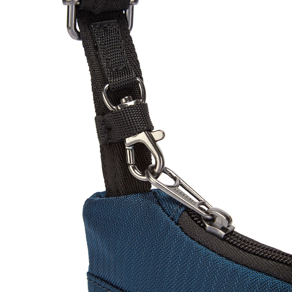 Detail of the Pacsafe Daysafe Anti-Theft Tech Crossbody color Ocean made with ECONYLu00ae regenerated nylon