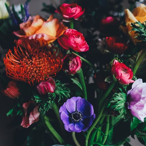 Free Delivery all across Bambang. Order from Bambang's favorite florist. Browse our hundreds of beautiful Bouquets and Arrangements and send flowers today.
