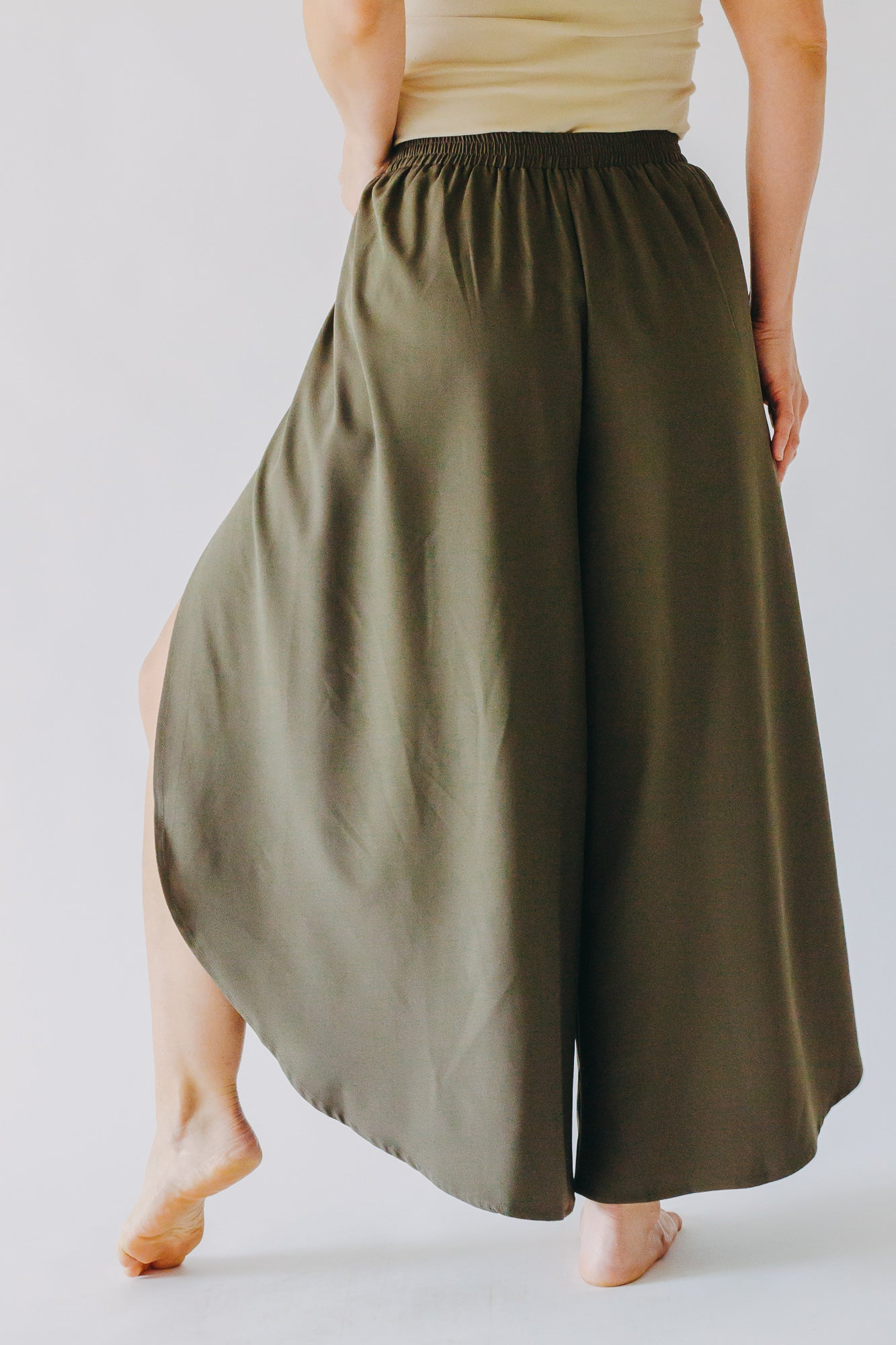 Bishop + Young Sojourn Pant *Olive