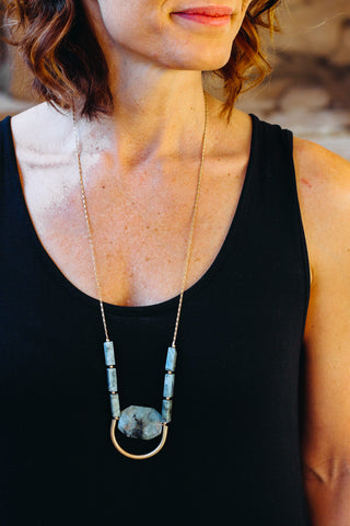 Dark Green Arch Tassel & Stone Necklace