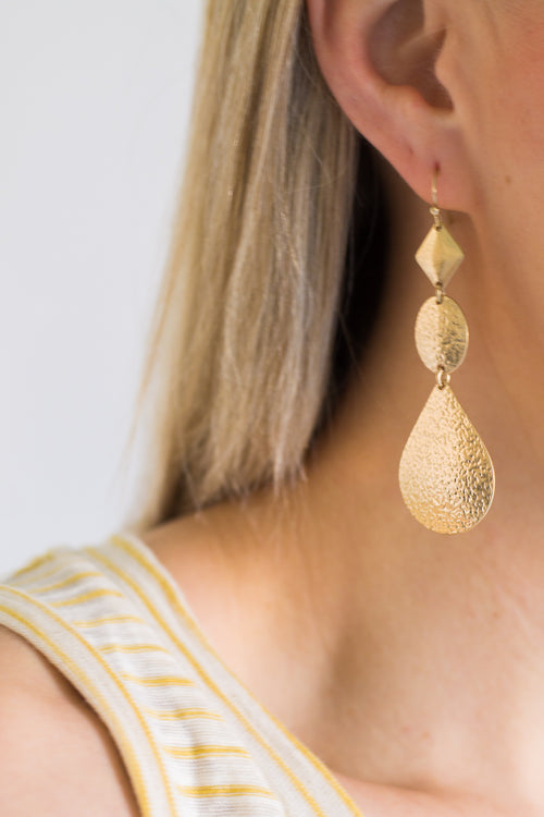 Cleva Gold Earring