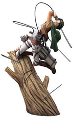 Attack on Titan - 1/8 Levi ArtFXJ Statue