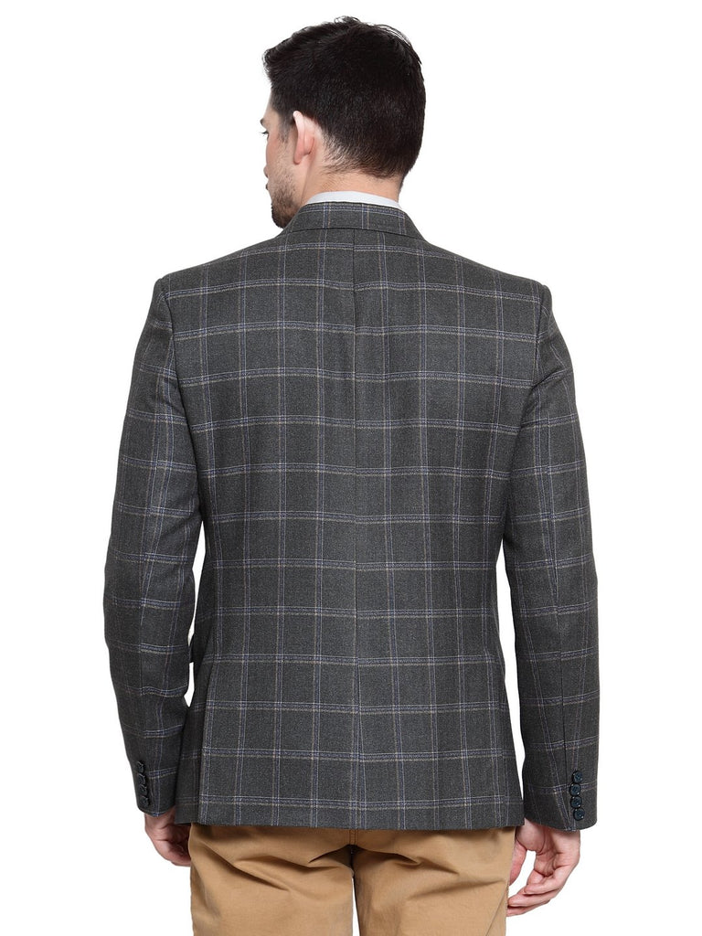 Style yourself with this check pattern