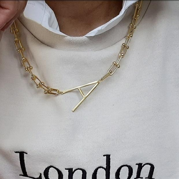 LINK CHAIN 'TRAPEZE' INITIAL NECKLACE