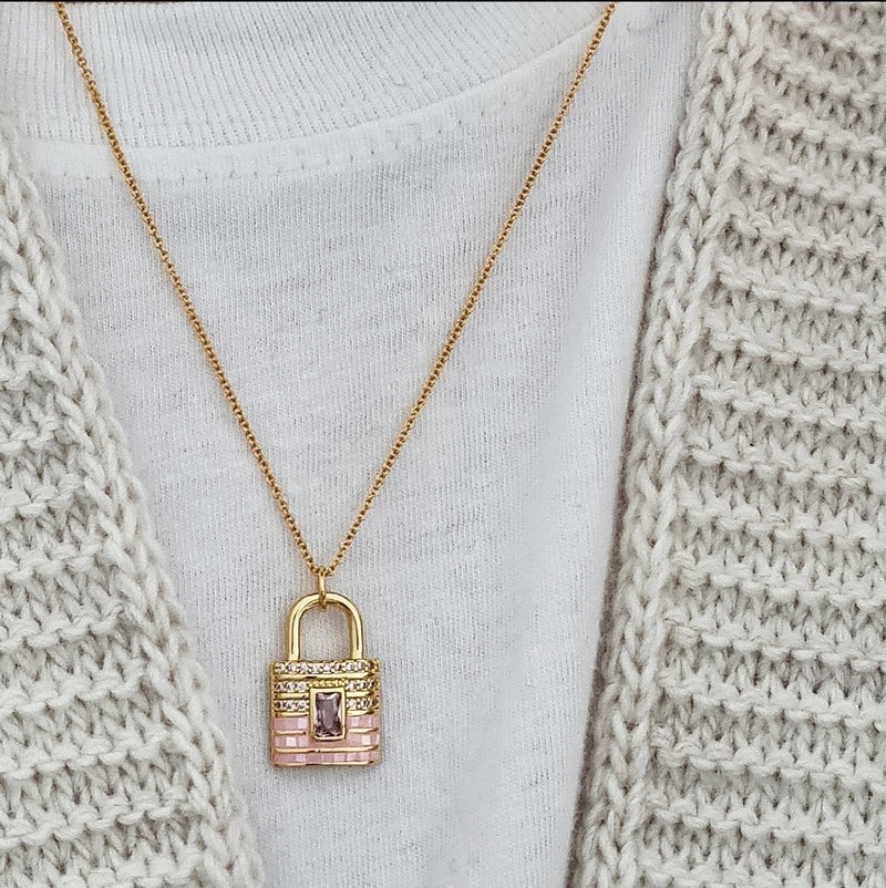 'BLUSH LOCK' NECKLACE
