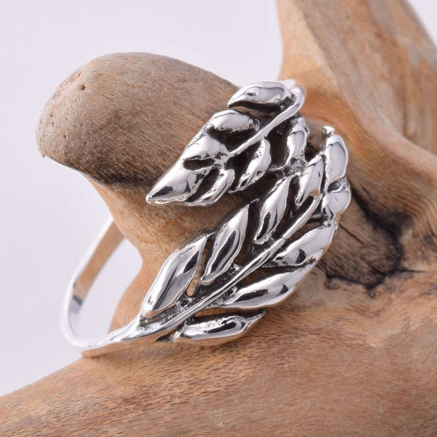 R053 Silver leaf wrap ring