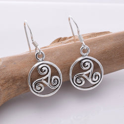 E660 - 925 Silver Celtic triske earrings