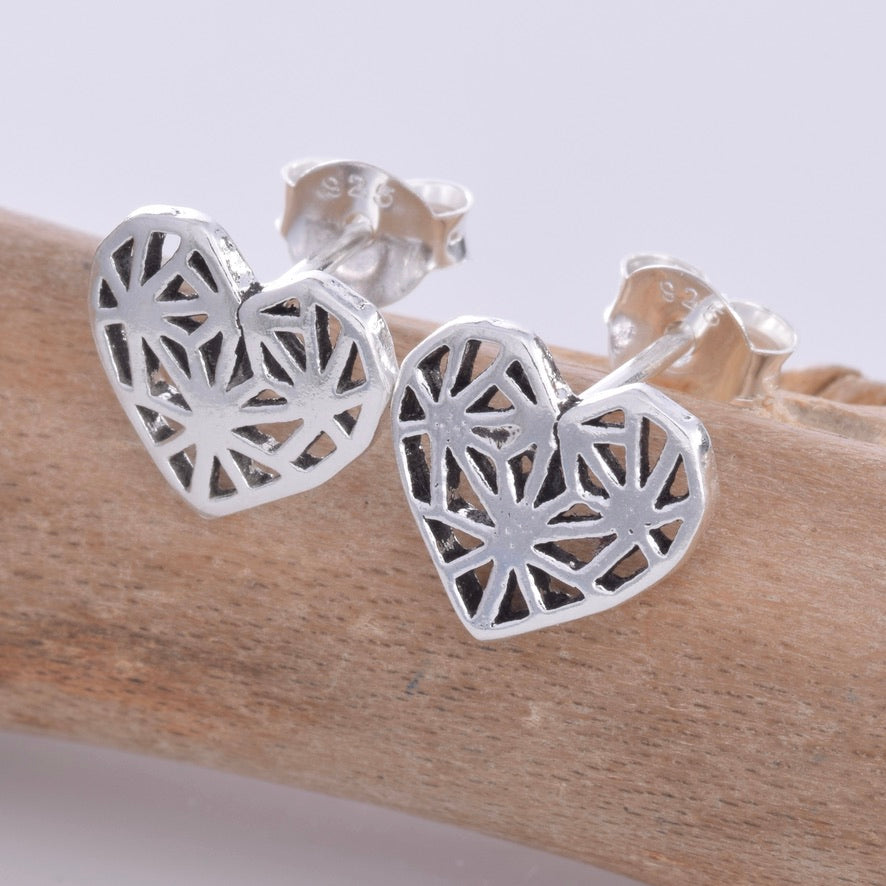 S599 - Silver heart stud earrings