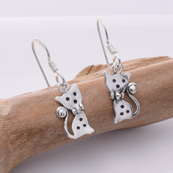 E677 - Silver Cute cat earrings