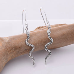 E678 - 925 Silver snake earrings