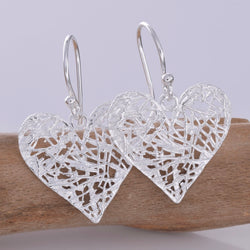 E619 - Messy heart silver earrings