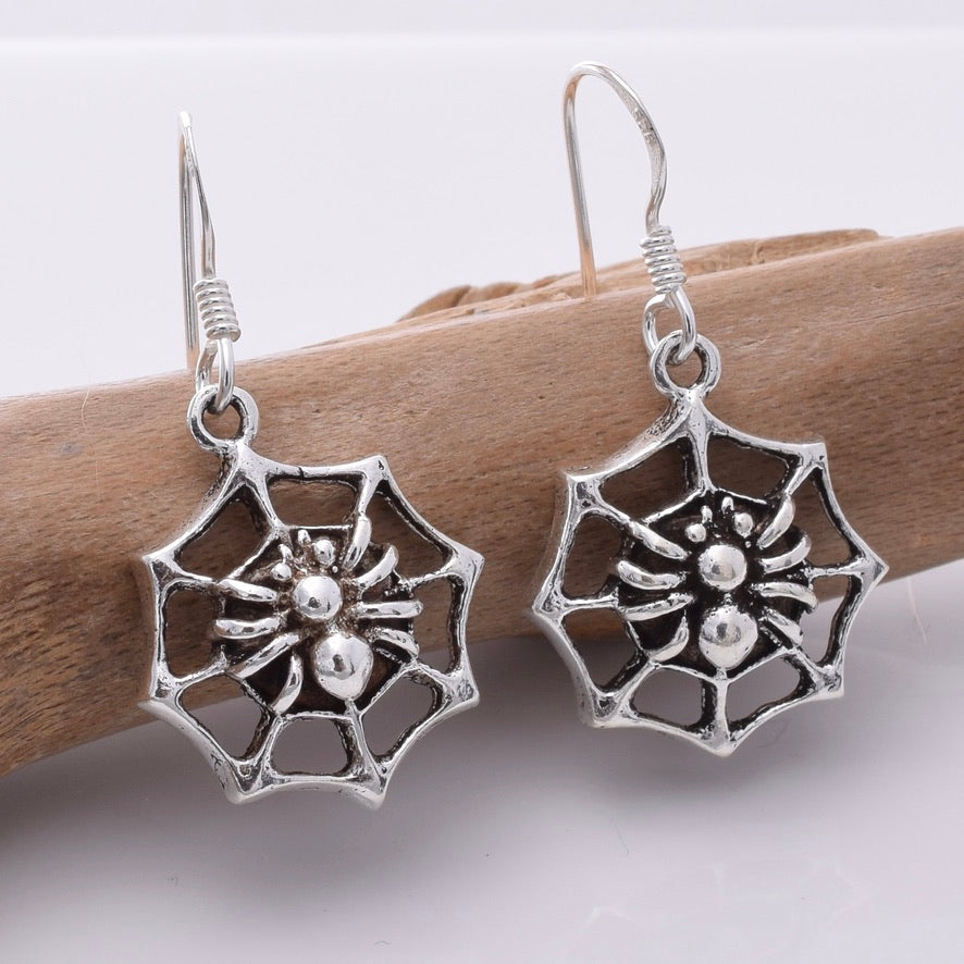 E671 - 925 Silver Spiders web earrings