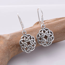 E668 925 Silver Celtic knotwork earrings