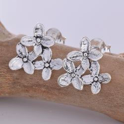 S606 - Silver triple flower stud earrings