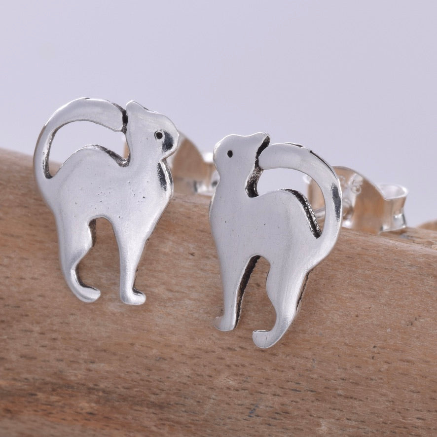 S604 - Silver long tail cat stud earrings