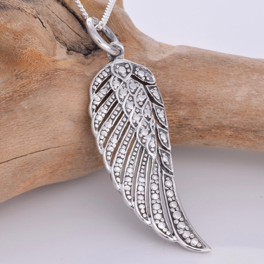 P741 - Silver angel wing pendant