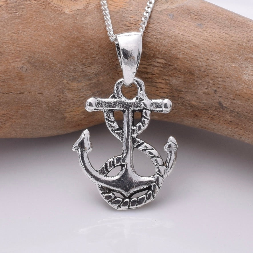 P793 - 925 Silver Anchor and rope pendant