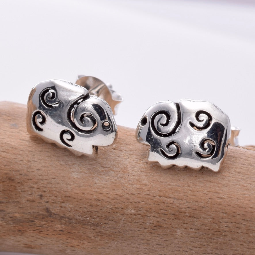S632 - Silver Sheep stud earrings