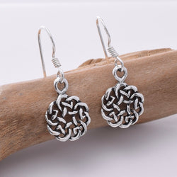 E664 - 925 Silver round celtic knotwork earrings