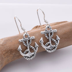 E667 - 925 Silver Anchor and roipe earrings