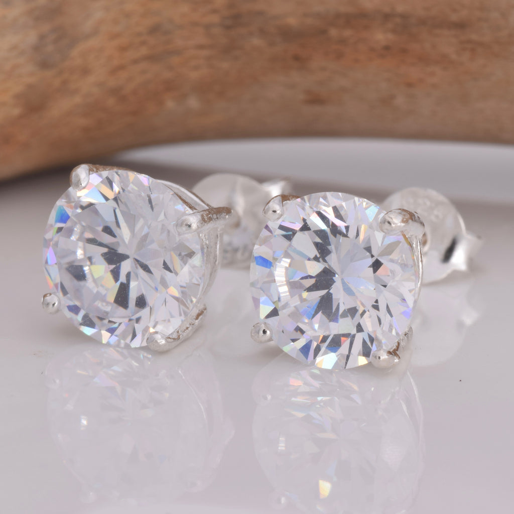 S025 - 8mm CZ 4 Claw Cast Stud Earring